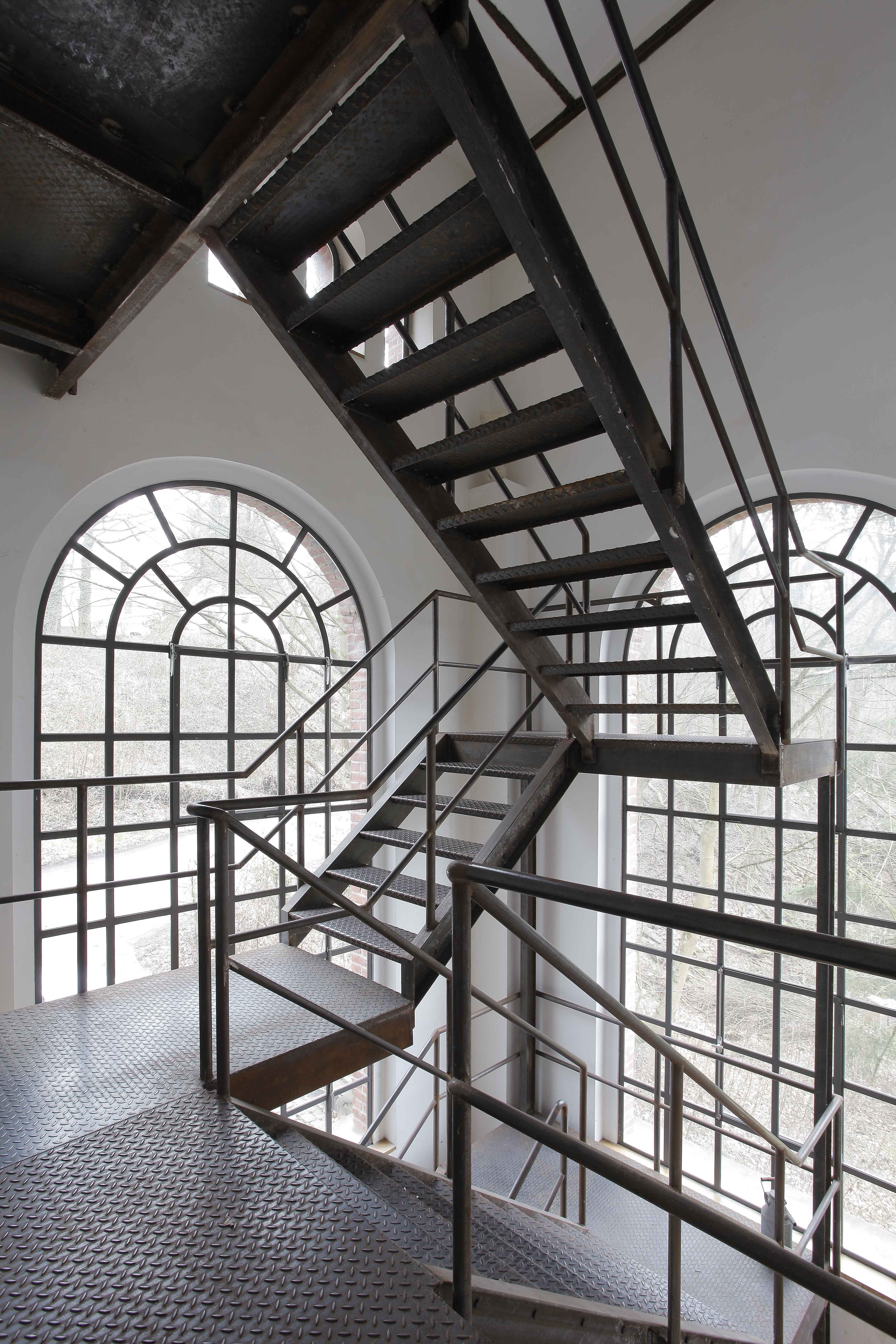 http://architektur-anders.de/wp-content/uploads/2018/06/Bodo-Mertoglu_20120314_1603.jpg